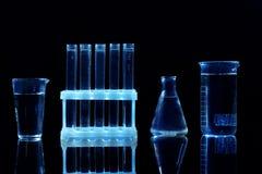 Kemiska flaskor och provrör Fotografering för Bildbyråer