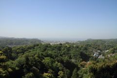 Kencho镰仓ji和都市风景从山上面的,在神奈川,日本 免版税图库摄影