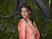 Kendall Jenner bei Tony Awards 2015 stockbild