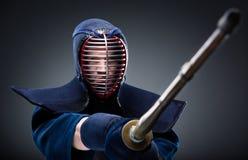 Kendo kämpe med bambusvärdet Royaltyfri Foto