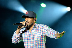 Kendrick Lamar (de Amerikaanse kunstenaar van de hiphopopname) presteert bij het Correcte 2014 Festival van Heineken Primavera Stock Fotografie