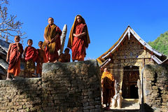 Kengtung, Shan State, Myanmar - 1 Januari 2011: Weinig monnikssta Stock Afbeeldingen