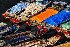 Kenh Te Channel, distrito 7, Saigon, Vietname fotografia de stock