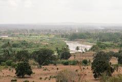 Kenja, Tsavo wschód park narodowy i rzeka - zdjęcia stock