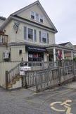 Kennebunkport, Maine, am 30. Juni: Im Stadtzentrum gelegenes historisches Haus von Kennebunkport in Maine-Staat von USA Lizenzfreies Stockfoto