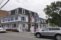 Kennebunkport Maine, 30th Juni: I stadens centrum historiskt hus från Kennebunkport i det Maine tillståndet av USA arkivfoton