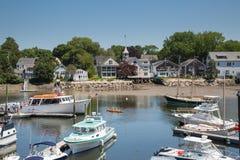 Kennebunkport New England Maine på en solig eftermiddag royaltyfria bilder