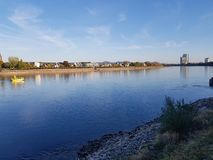 Kennedy Bruecke Bridge Rhein Rhine flod Tyskland bonn arkivbilder