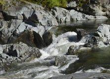Kennedy-Flussstromschnellen, Vancouver Island lizenzfreies stockfoto