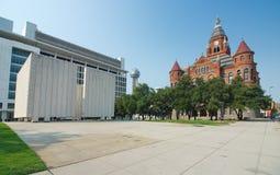 Kennedy Pamiątkowy plac i Stary Czerwony muzeum w Dallas Zdjęcia Royalty Free