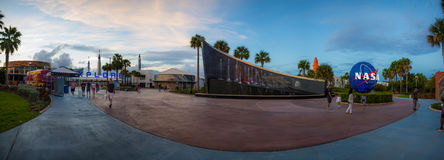 Kennedy Space Center Entrance Panorama lizenzfreie stockbilder