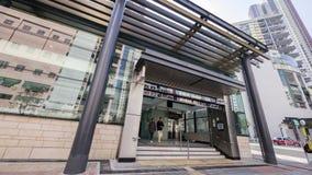 Kennedy Town Station Exit A - de uitbreiding van Eilandlijn aan Westelijk District, Hong Kong stock foto's
