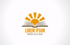 Kennis e-lezende bibliotheekconcept. Logo Sun over Royalty-vrije Stock Foto