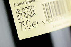 Kennsatz einer Flasche italienischen Rotweins Lizenzfreies Stockbild