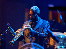Kenny Garrett utför direkt på 28th April Jazz Royaltyfri Fotografi