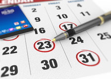 Kennzeichen auf dem Kalender lizenzfreie stockbilder