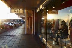 Kennzeichen und Spencer - hintergrundbeleuchteter Sonnenuntergang Lizenzfreie Stockfotos