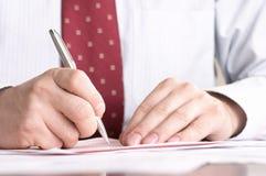 Kennzeichnen eines Dokuments Stockfoto