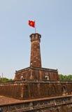 Kennzeichnen Sie Turm von Hanoi (1812, UNESCO-Standort), Vietnam lizenzfreies stockbild