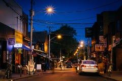 Kensington-Allee nachts, in Kensington-Markt, in Toronto, an Stockfotos