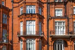 Жилая ария Kensington и Челси Ворота Cadogan со строкой периодических зданий Роскошное свойство в центре Лондона стоковое изображение