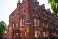 Жилая ария Kensington и Челси Ворота Cadogan со строкой периодических зданий Роскошное свойство в центре Лондона стоковое фото rf