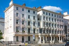 Жилая ария Kensington и Челси Ворота Cadogan со строкой периодических зданий Роскошное свойство в центре Лондона стоковые фотографии rf