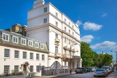 Жилая ария Kensington и Челси Ворота Cadogan со строкой периодических зданий Роскошное свойство в центре Лондона стоковое фото