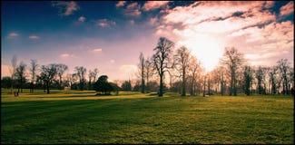 Kensington fait du jardinage coucher du soleil Images stock