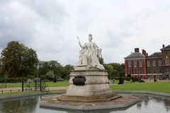 Kensington Palace, London, England. Statue of Queen Victoria Royalty Free Stock Images