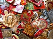 Kentekens van de USSR met het beeld van Vladimir Lenin ` s inzameling Faleristics Close-up Achtergrond Royalty-vrije Stock Fotografie