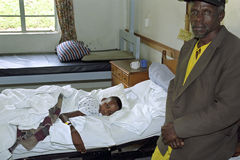 Kenyan Maasai barn i sjuksäng i sjukhuset, Kijabe Fotografering för Bildbyråer