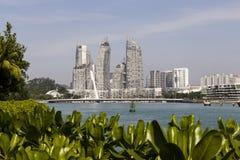 KEPPEL-BAAI, SINGAPORE, 10 December 2017: Jachthaven bij Keppel-Baai in Singapore Stock Foto's