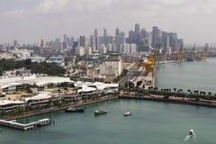 KEPPEL-BUCHT, SINGAPUR, am 10. Dezember 2017: Jachthafen an Keppel-Bucht in Singapur Stockfotografie