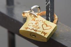 Kera et Cody Locks de l'amour Image stock