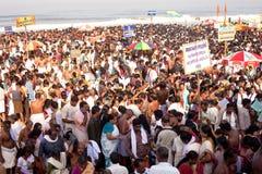 KERALA - JULI 30: Duizenden Hindoese pelgrims Royalty-vrije Stock Afbeelding