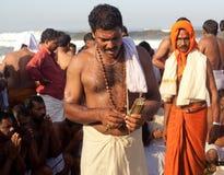 KERALA - JULI 30: Een Hindoese priester Stock Afbeelding