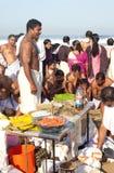 KERALA - JULI 30: Een Hindoese priester leidt een ritueel Royalty-vrije Stock Foto