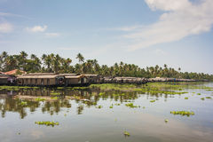 Kerala-Wasserstraßen und -boote Stockfotografie