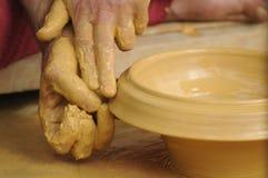 Keramiker som bildar lera Royaltyfria Foton