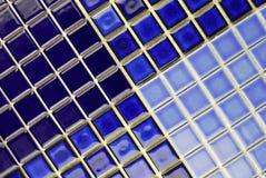 Keramische blaue Fliesen des Mosaiks Lizenzfreie Stockfotos