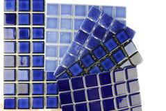 Keramische blaue Fliesen des Mosaiks Stockbild