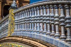 Keramische Brücke innerhalb Plaza de Espana in Sevilla, Spanien Lizenzfreies Stockbild