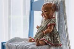 Keramische Puppe der Weinlese stockfoto