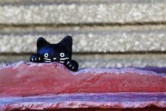 Keramische Skulptur der schwarzen Katze Lizenzfreies Stockfoto
