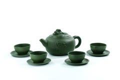Keramische Teekanne und Teacups Lizenzfreie Stockbilder
