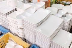 Keramisches Geschirr im Jatujak-Wochenendenmarkt, Thailand lizenzfreies stockfoto
