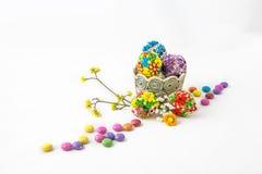 Keramisk bunke med ägg Fotografering för Bildbyråer