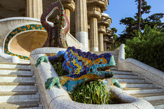 Keramisk drakespringbrunn på Parc Guell Fotografering för Bildbyråer