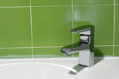 Keramisk handtvättställ royaltyfria foton